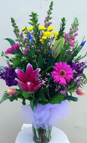 Mixed Flowers bouquet , designed by our professional florist and delivered to you by Calabasas Flowers